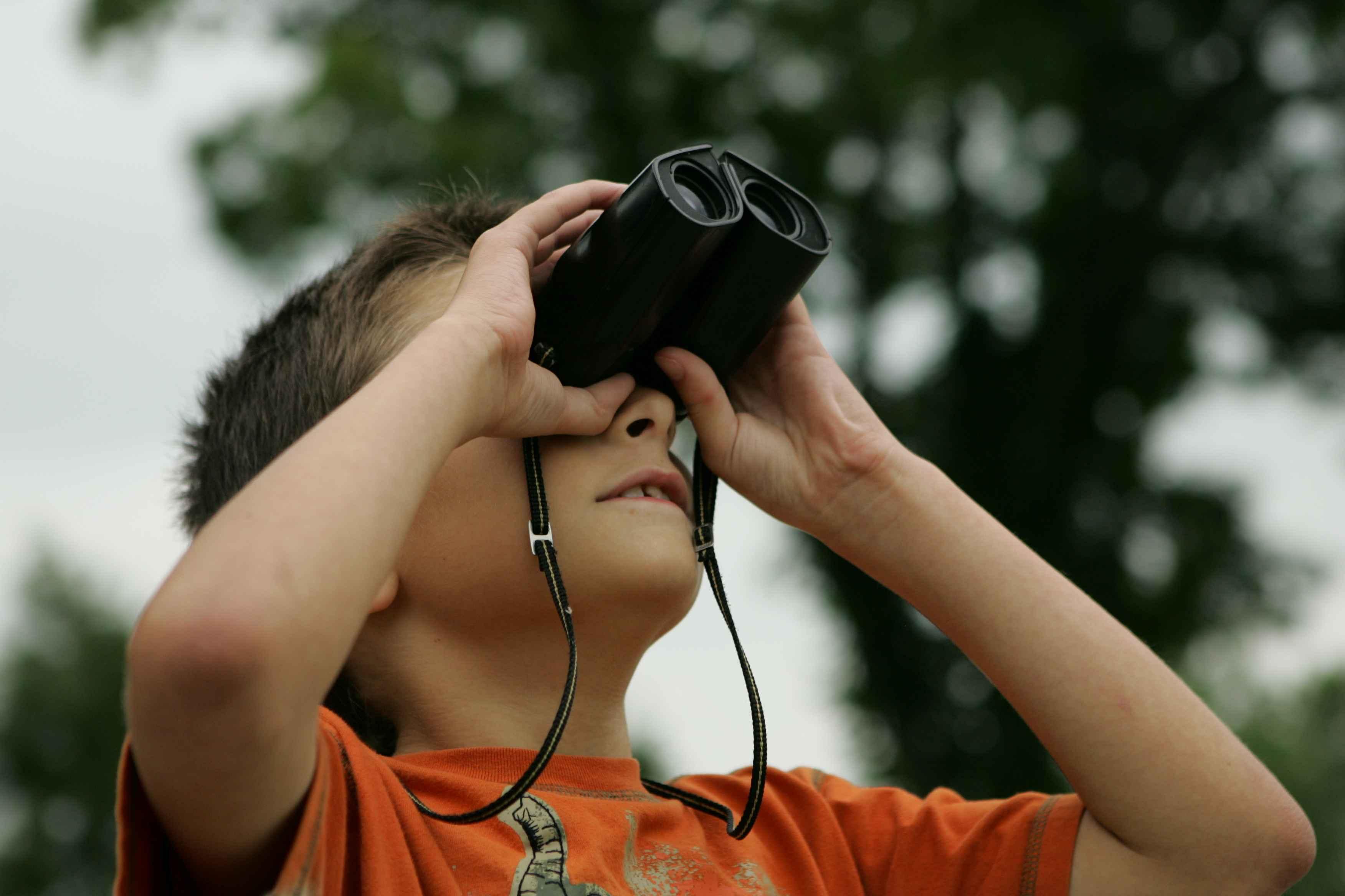 Best Binoculars for Kids 2017 – Buying guide & Reviews