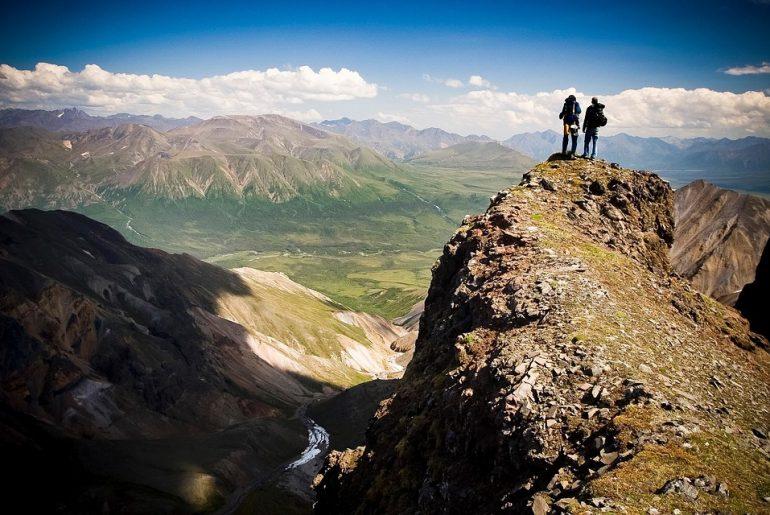 Best Binoculars for Alaska Cruise 2020 – Buying Guide & Reviews